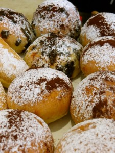 These pretty babies are filled with ricotta and crumbles of chocolate. They make your taste buds dance with delight.